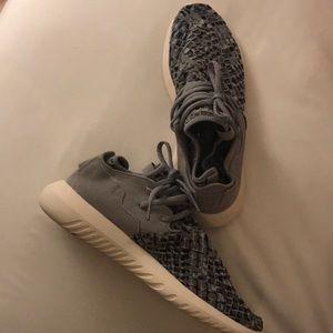 Adidas Tubular Sneakers 7.5